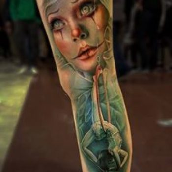 sam-barber-young-woman-tattoo